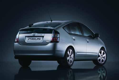 media_Toyota_Prius_34rear.jpg